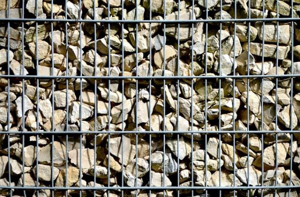 gabionen-wall-1523544_640